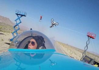 Airplane-flies-under-a-Biker-doing-a-Backflip-1-640x417