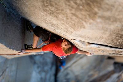 Tommy-Caldwell-action