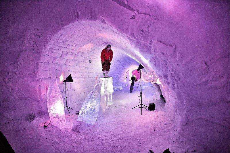 dougie-lampkin-tundra-pink-tunnel
