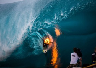 jamie-obrien-surfs-while-on-fire