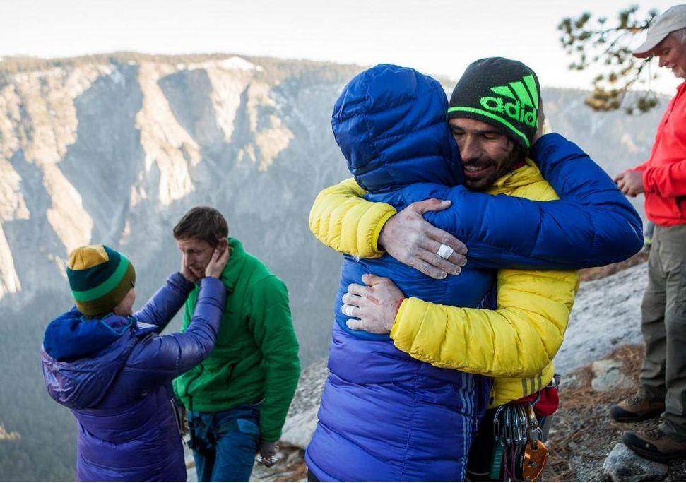 Caldwell (balra) feleségével és Kevin a barátnőjével a csúcson (Fotó: Max Whittaker, New York Times)