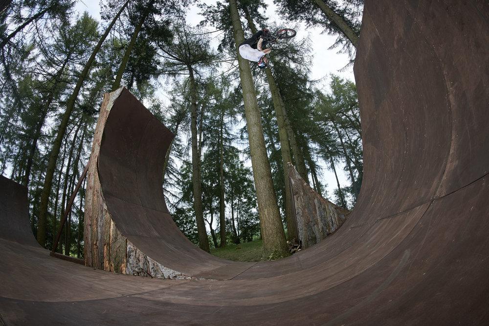 Morgan Wade, X-up flip on the open loop.