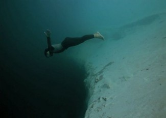 underwater-base-jumping1